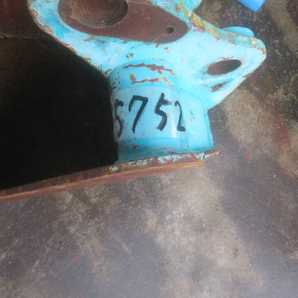 油谷№5752 ツメバケット ピン径40㎜ アーム幅135㎜