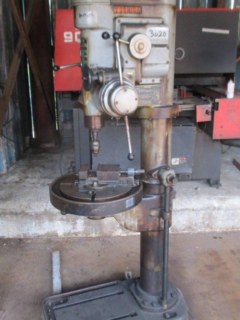 油谷№3020② 工業高校実習室から タッピングボール盤
